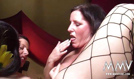 Sexy Brünette bekommt Muschi germansexfilme in der Arztpraxis geleckt