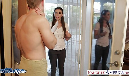 Ein heißer Dreier endet damit, dass ein Mädchen Sperma kostenlosedeutschesexfilme von ihrem Arsch leckt