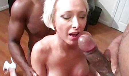 Carmen Monet liebt es, einen Schwanz in den Hals sexfilme mit handlung kostenlos zu nehmen