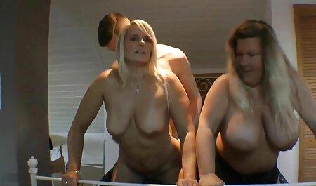 Ivana Sugar weiß, wie man bei gratis deutscheporno Saboom fickt