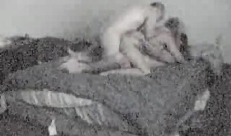 Alex Chance bekommt eine Ladung Sperma auf ihre großen deutsche porno spielfilme Titten