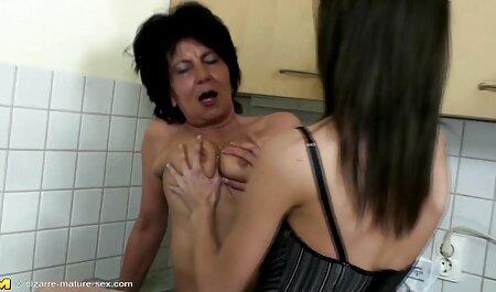 Holly Wellin nimmt schwarzen Schwanz von Ashley deutsche porno sexfilme Blue