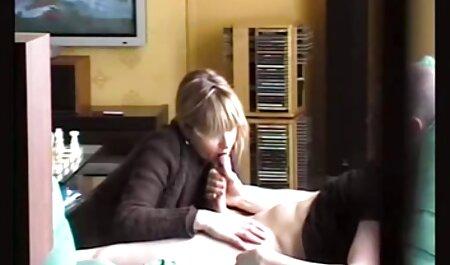 Lena spielt deutsche omapornos kostenlos mit sich selbst