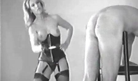 Mandy Armani trägt sexy Socken und bekommt ihre Muschi retrosexfilme kostenlos geleckt ...